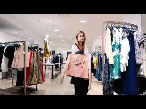 Download Youtube: Camille Rowe - Vogue.com