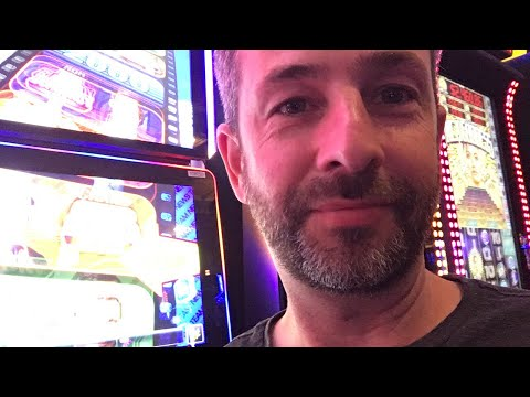 Live Slots at Palace Station in Vegas!