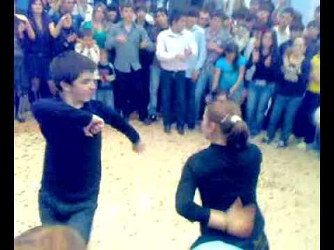 смотреть сексуальный танец дагестанских девчат онлайн