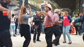 Video sambalado-Nurul & timah feat redeem buskers cover Ayu ting ting,goyang happy download MP3, 3GP, MP4, WEBM, AVI, FLV Januari 2018