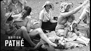 Bank Holiday On Killiney Beach (1937)