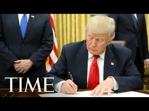 President Trump Signs Executive Order On Accountability & Whistleblower Protection | LIVE | TIME