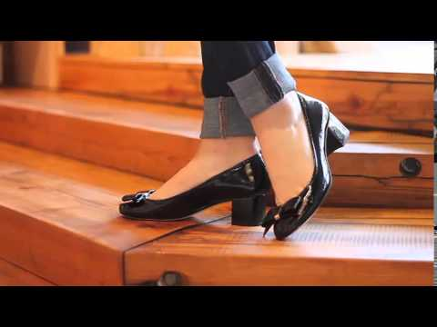 f5ed582bf9b Michael Kors - Kiera Mid Pump - YouTube