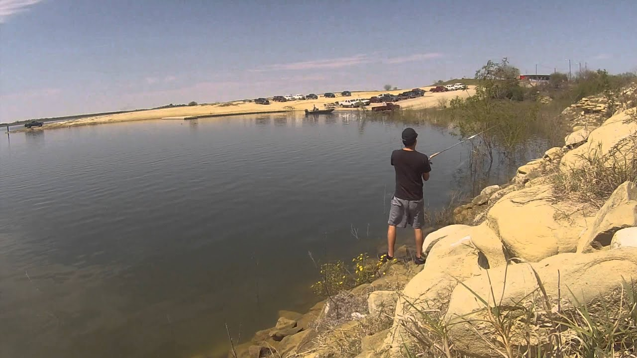 Fishing at falcon lake youtube for Falcon lake fishing