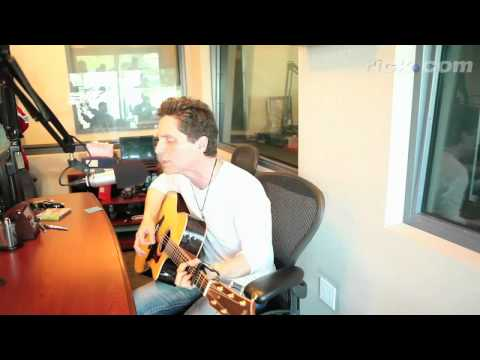 """EXCLUSIVE Richard Marx performs 'When You Loved Me"""" Live at The Dees Studio"""