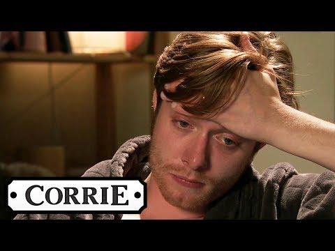Daniel Breaks Down Watching Sinead's Videos | Coronation Street