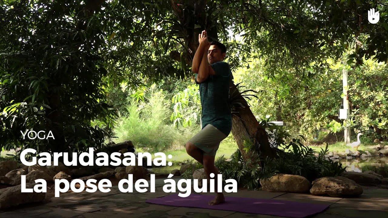 Garudasana la postura del águila   Yoga