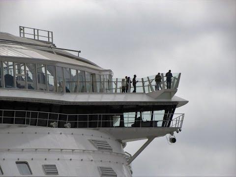 Grootste cruiseschip Harmony of the Seas verlaat Rotterdam