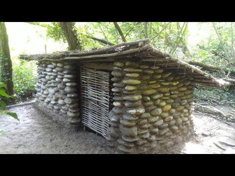 Construction dune cabane en pierre