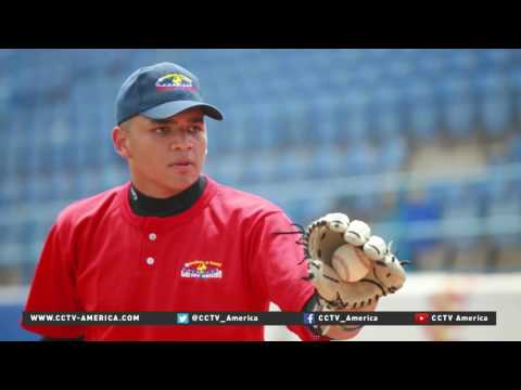 Sports fans work to revive Venezuela's baseball culture