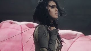 """Katy Perry Shows Off MORE Of """"Rise"""" Music Video"""