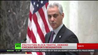 Protesters block traffic, demand Chicago mayor's resignation