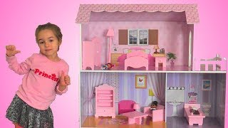 Toy Dollhouse and Surprisingly Fun for Kids!