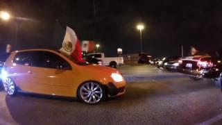 Mexicanos Celebrando el Día de la independencia de México  en CHICAGO, controlando la Plaza