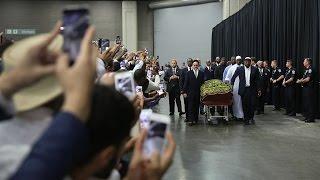 محمد علي يوارى الثرى إلى جانب والديه بمسقط رأسه
