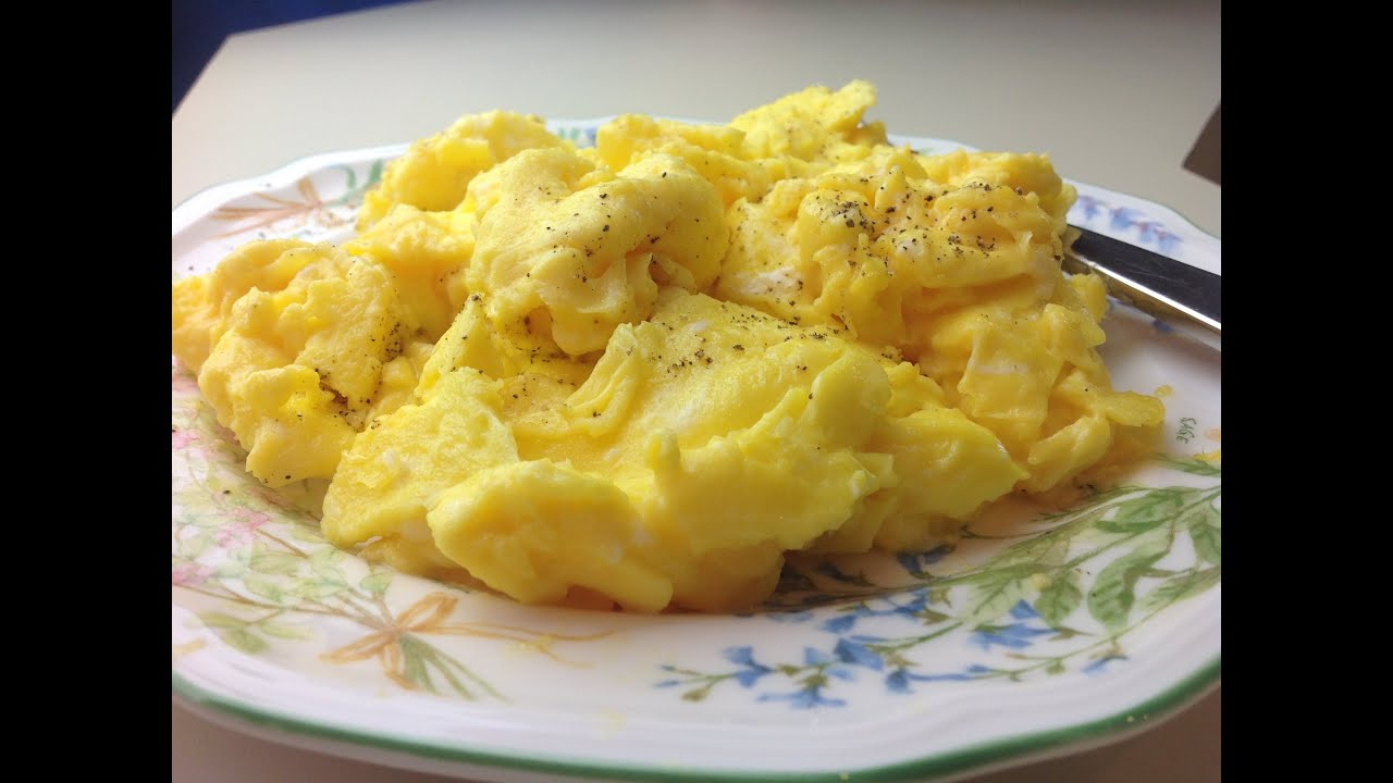 cooking perfect scrambled eggs - 1280×720