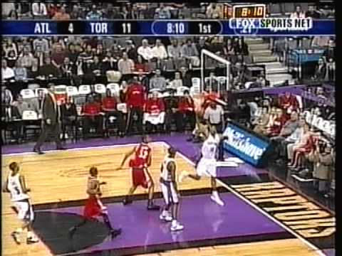 Vince Carter Performs Complicated Dunk Around Airborne Boris Diaw (2003)