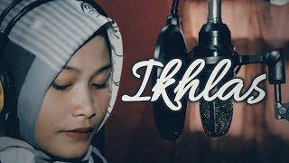 Download Dangdut Lawas Rita Sugiarto - Ikhlas (Cover By Vifi Septiani)