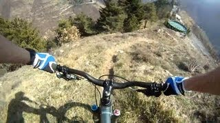 Экстремальный даунхилл от первого лица(Duncan McCann и Ken Baker тестируют новый велосипед Diamondback в Италии. Автор: Duncan McCan., 2013-07-04T07:54:44.000Z)