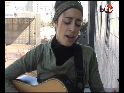 GRAZIELLA SCHAZAD - MESS (BalconyTV)