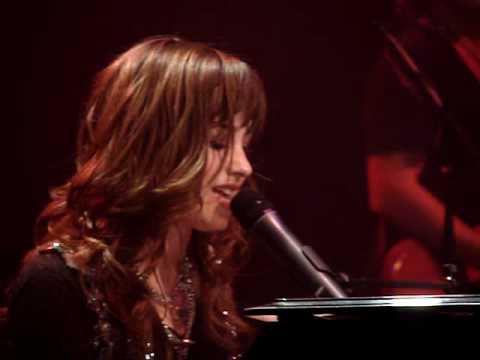 Demi Lovato - Trainwreck (12/8/08)