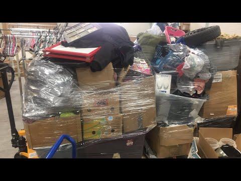 3/10/18 storage Auction unit 3 unboxing