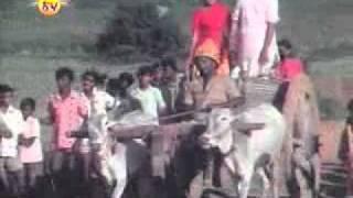 Kalasapurada Hudugaru Naavu - Kalasapurada Hudugaru (1982) - Kannada