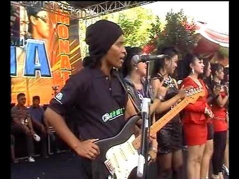 Minal Aidzin - All Artist - Dangdut Live in Misik Sukolilo