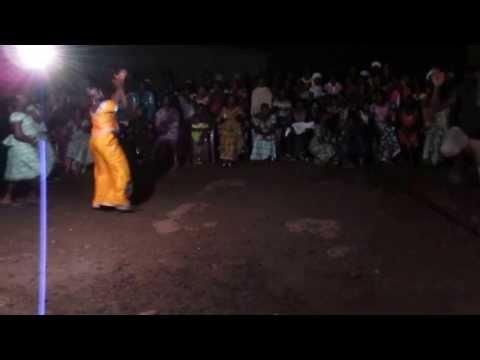 Fana Bangoura plays sabar dance in Conakry, Guinea, part2