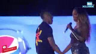 Wizkid Kisses Tiwa Savage on Stage