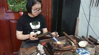 Cô bé có 10 hoa tay khéo léo tự học nghề thợ bạc lúc 13 tuổi