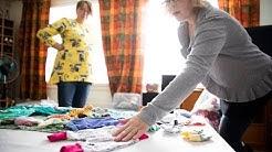 Untuvapakkaus-ryhmä valmistaa keskosvauvojen vaatteita ja jakaa niitä maksutta