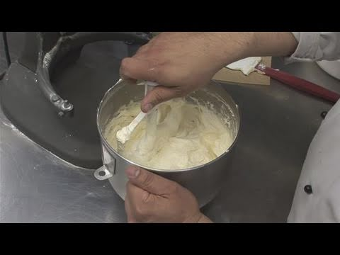 How to make thicker buttercream frosting