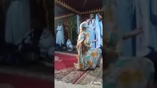 الرقص الصحراوي الخطير😍