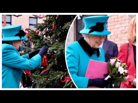 Queen Elizabeth Helps Children Decorate Coram Charity Christmas Tree 2018!