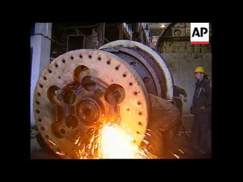 ESTONIA: PALDISKI:  RUSSIANS DISMANTLE NUCLEAR REACTORS