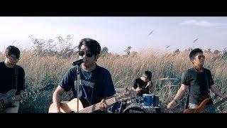 Download Lagu Light For Dream - Fantasi Pelukan (Official Music Video).mp3
