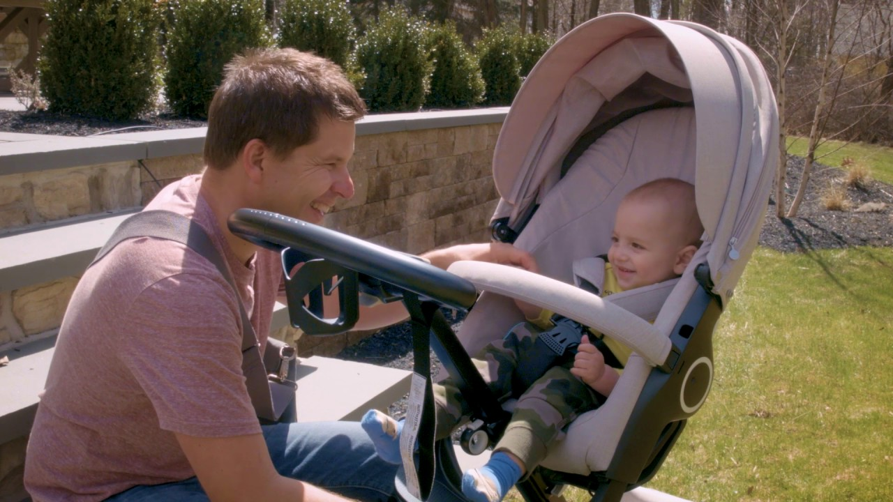 Stroller Review: How the Stokke Xplory Connects You with Your Baby