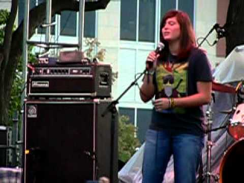 """Nico Hoon singing """"Change"""" with Blind Melon"""