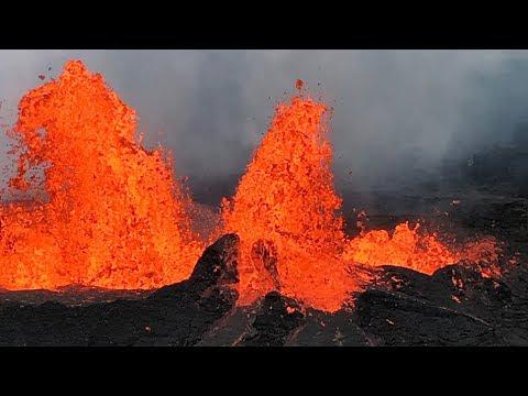Watch Live as Hawaii's Kilauea volcano erupts lava