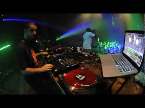 Dj Hype & Daddy Earl live part - Stealth Bombers heavy weight edition 2011 [HD]