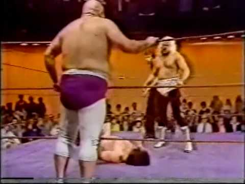 Bill Dundee vs Wayne Farris & Tojo Yamamoto with Jimmy Hart (3-7-81) Part 1 of 2
