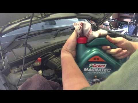 Oil change on 1 series BMW. Great How to guide for changing your own oil. E87 E81 F20 120i 118i