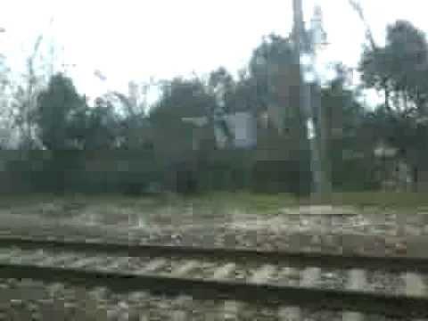 Viagem de trem da estação ferroviária de Conegliano - TV à estação ferroviária de Treviso - TV