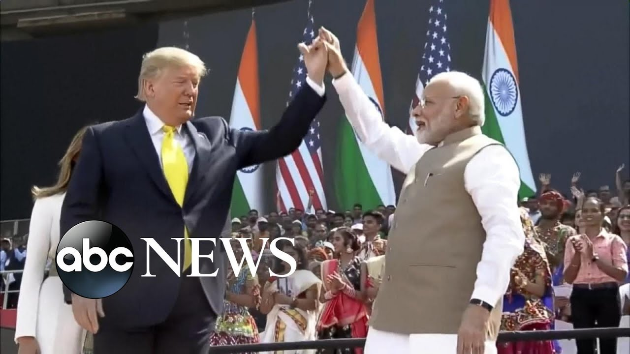 Thousands greet President Trump as he arrives in India | ABC News Смотри на OKTV.uz