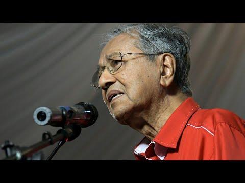 Mahathir Tarik 10,000 Rakyat Sarawak di Kuching