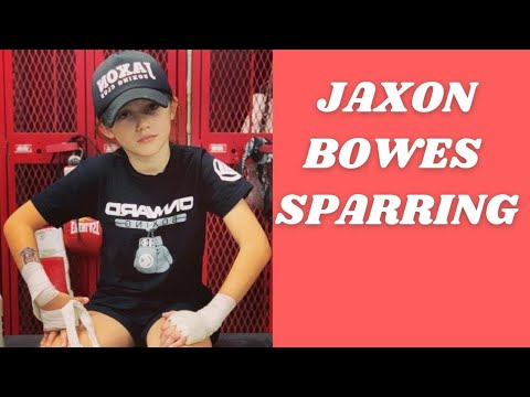 8 year old boxer Jaxon Bowes sparring 10 year old Nena