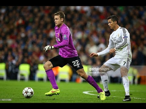 Mignolet skills against famous players
