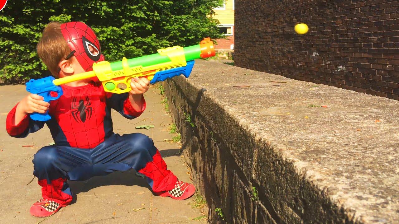 ЛитлБой Адам Открывает Игрушки для Мальчиков - YouTube