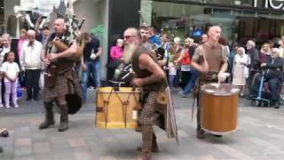 "Scottish band Clanadonia perform ""Hamsterheid"" during Perth's Medieval Fayre Aug 2017 - 4K"